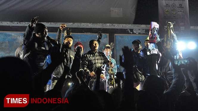 Penampilan Grup Musik Lion Warrior di Jambore Musik Kemerdekaan Ranu Pani pada Minggu (18/8/2019) (Foto : Ovan Setiawan/TIMES Indonesia)