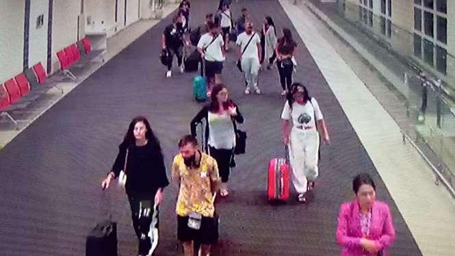 Puluhan penumpang JetStar tujuan Australia diturunkan paksa.