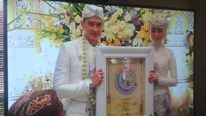 Rezky Aditya dan Citra Kirana resmi menikah.