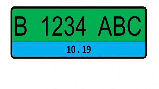 Plat nomor baru kendaraan dengan kombinasi warna dasar hijau dan biru