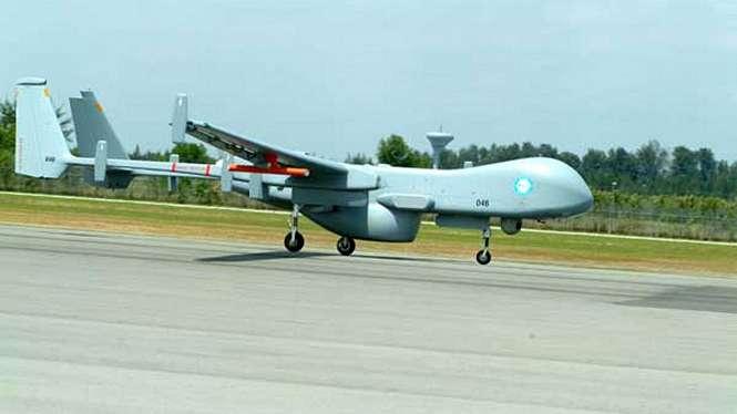 Drone Heron buatan Israel.