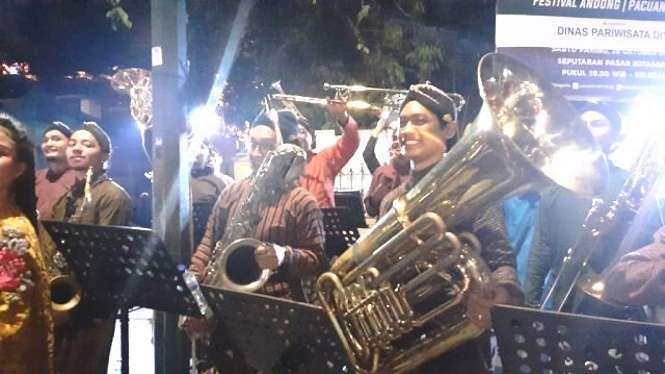 Orkes tiup merupakan salah satu kesenian yang tidak hanya dikenal di Indonesia melainkan sudah terlebih dahulu dipopulerkan oleh negara Barat atau dikenal dengan istilah brass band.
