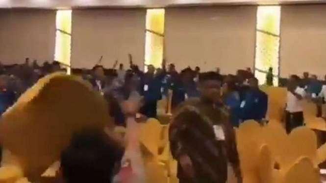 Kerusuhan di Kongres V Partai Amanat Nasional (PAN).
