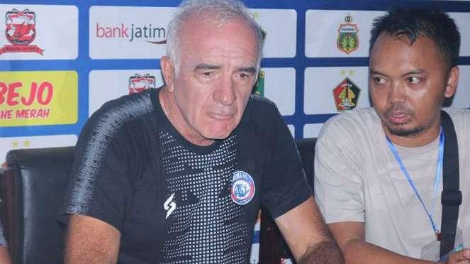 Pelatih Arema FC, Mario Gomez.