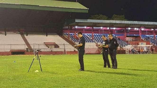 PT Liga Indonesia Baru melakukan verifikasi di Stadion Klabat Manado.
