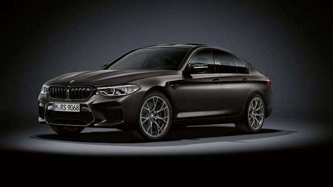 BMW M5 Edition 35 Years dibanderol Rp5,169 miliar off the road
