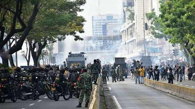VIVA Militer: TNI amankan Jakarta dari kerusuhan.