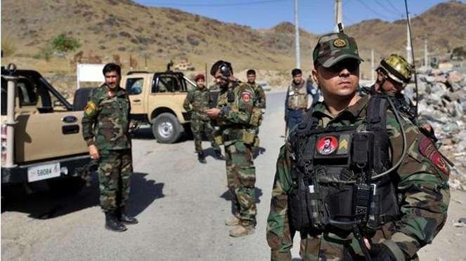 VIVA Militer: Tentara Afghanistan Berjaga di Sekitar Lokasi Ledakan Bom