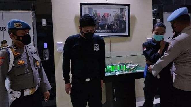 Brigradir NP, polisi yang membanting mahasiswa saat demo minta maaf