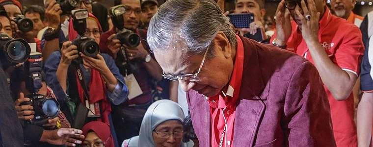 Mahathir Mohamad ditetapkan sebagai calon perdana menteri Malaysia dari kubu oposisi