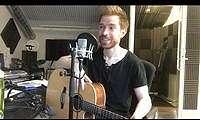 Bule Pencipta Lagu 'Nasi Padang', Nyanyikan 'Om Telolet Om'