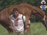Bisa Angkat Kuda, Ini Dia 'Raksasa Terkuat di Dunia'