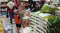 Harga Beras Tembus Rp 15.000/Kg, Warga Pilih Beli Beras Bulog