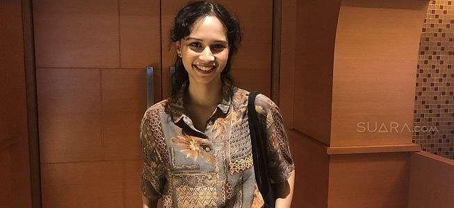 Lutesha Sadhewa Mewek Lihat Akting Widyawati di Film Ambu