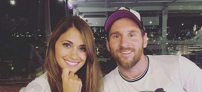 5 Top Bola Sepekan: Istri Messi Berjemur Pakai Bra, Anak Fabregas Terkejut