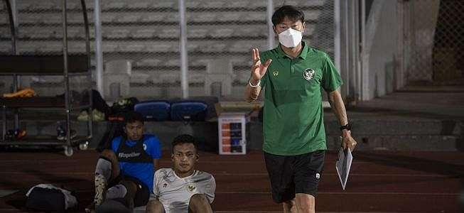 Shin Tae-yong Terlambat Datang ke Indonesia karena Jadwal Vaksin, PSSI Maklum