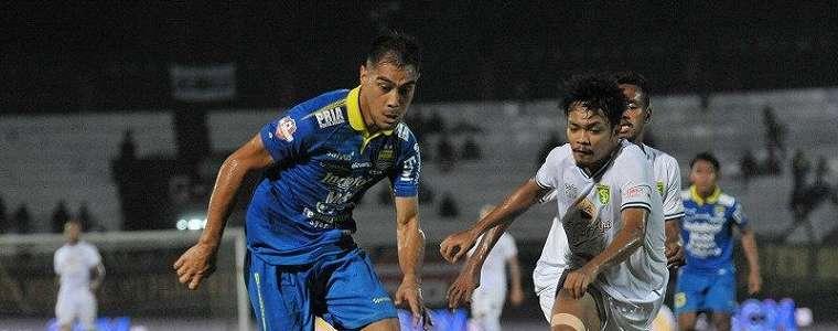 Persib Bandung Perpanjang Kontrak Omid Nazari