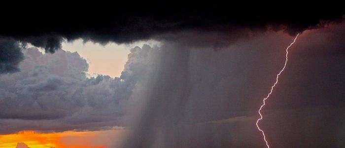 Peringatan Dini Cuaca BMKG Besok 30 November 2020: 27 Wilayah Berpotensi Hujan Lebat Disertai Petir