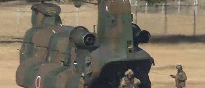 Latihan Militar Pasukan SDF Jepang Dengan Tetap Menggunakan Masker