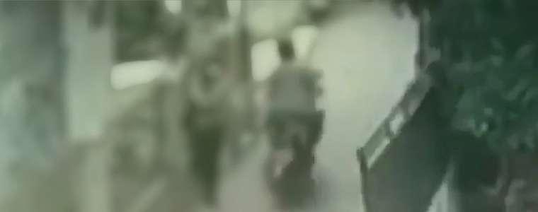 Viral, Aksi Begal Payudara Terekam CCTV