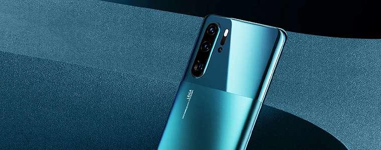 Huawei Umumkan Kehadiran P30 Pro Warna Mystic Blue dan Case Glamor Swarovski