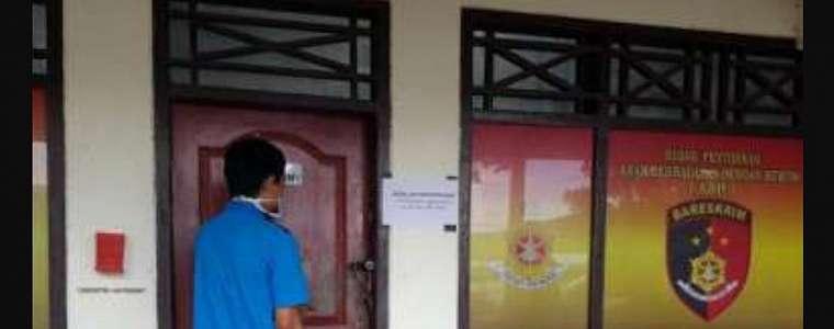 Pak Guru Terpaksa Ceraikan Istri yang Selingkuh dengan Tetangga Seorang Pengusaha
