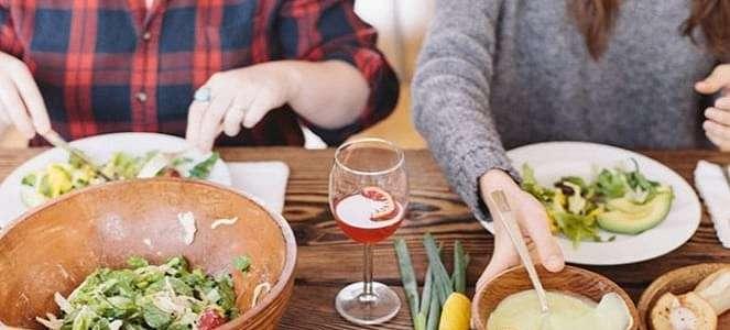 Menguak Etika yang Harus Dipahami Saat Ada di Meja Makan