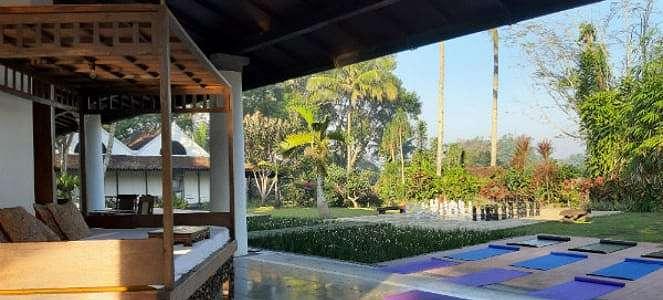 Resort Eksotis Ini Dibuat dari 23 Rumah Jawa Selama 13 Tahun