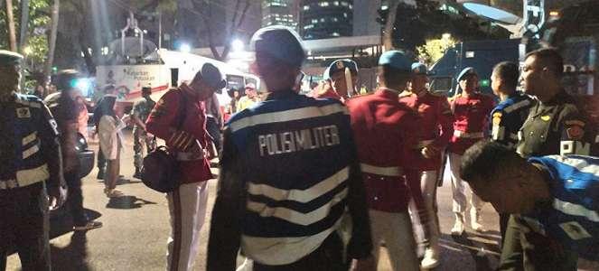 Pasukan Paspampres Bersiap Sambut Jenazah BJ Habibie di Rumah Duka