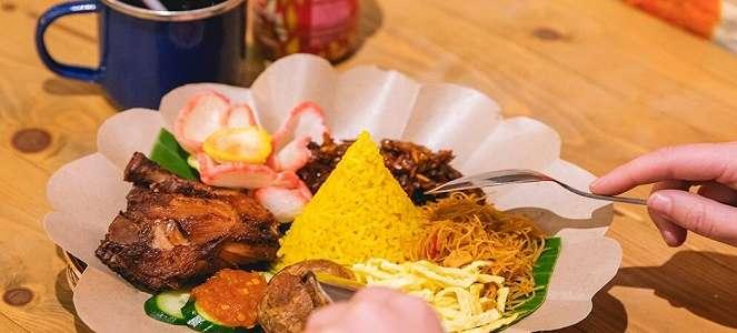 HALAL, Tok Tok Suguhkan Rasa Otentik Sup Indonesia di Singapura