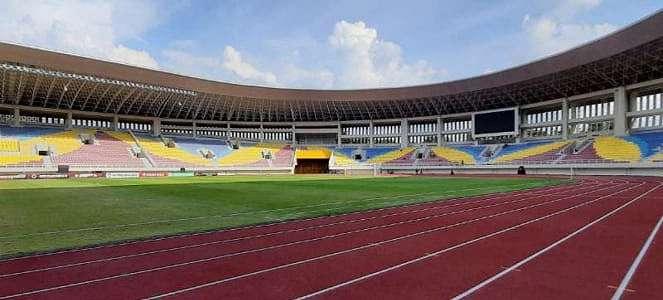 Sambut Piala Dunia, Stadion Manahan Solo Perbaiki Lapangan Latihan
