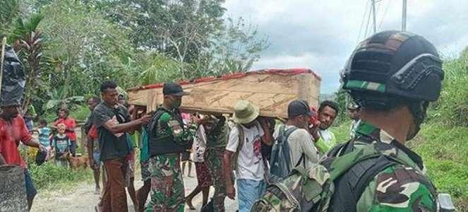4 Bulan Tembus Pedalaman Papua Pasukan Elit TNI Sudah Gotong 5 Jenazah