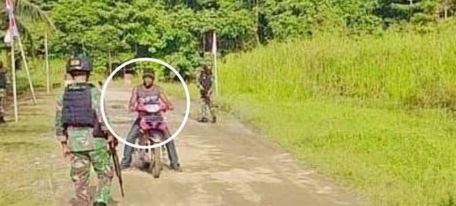 Prajurit TNI Sweeping Motor Butut, Ternyata Isi Bagasinya Mengejutkan
