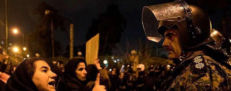 Di Mana Oposisi Iran?