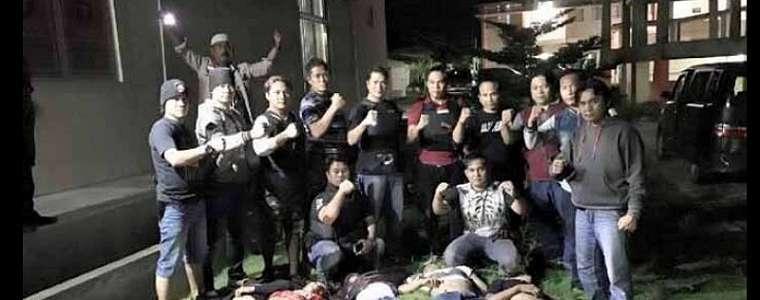 Viral Foto Polisi dengan 5 Mayat Begal, Ini Kata Kapolda Lampung