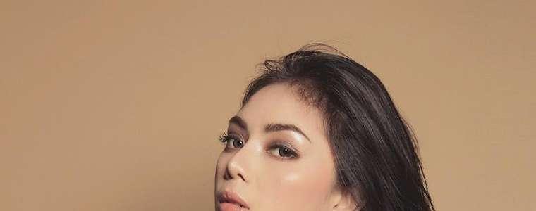 Ismi Melinda Seksi Foto Model Indonesia