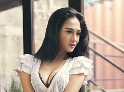 Koleksi Foto Natasha Ratulangi On Maxim 2016